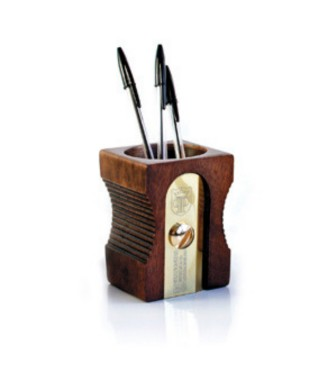 "SuckUk ""Sharpener"" - portapenne legno scuro"