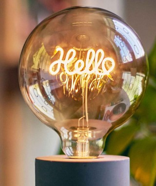 "Pusher ""Bulb Letter"" - Lampadina A Led Con Filamento Hello 