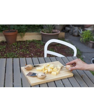 "Kikkerland ""Mouse Cheese Board"" - set formaggi in uso"